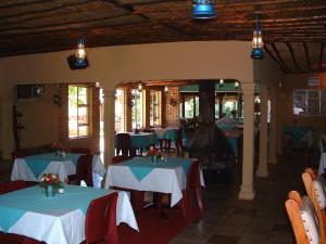Waenhuis Gastehuis / Guesthouse Fochville Dining Hall