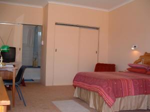 Waenhuis Gastehuis / Guesthouse Fochville Standard Rooms 1